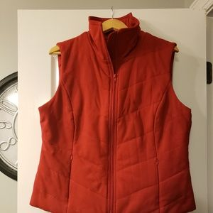 Cold water Creek NWOT red  zip up vest size 16